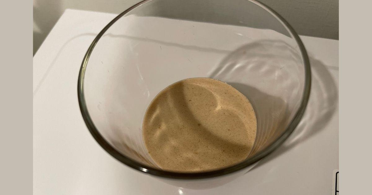 ロッキーロード味のレビューで泡立ちを撮影した画像